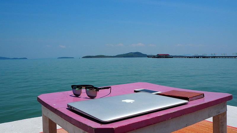 Working from Home Overseas – Is It Possible?